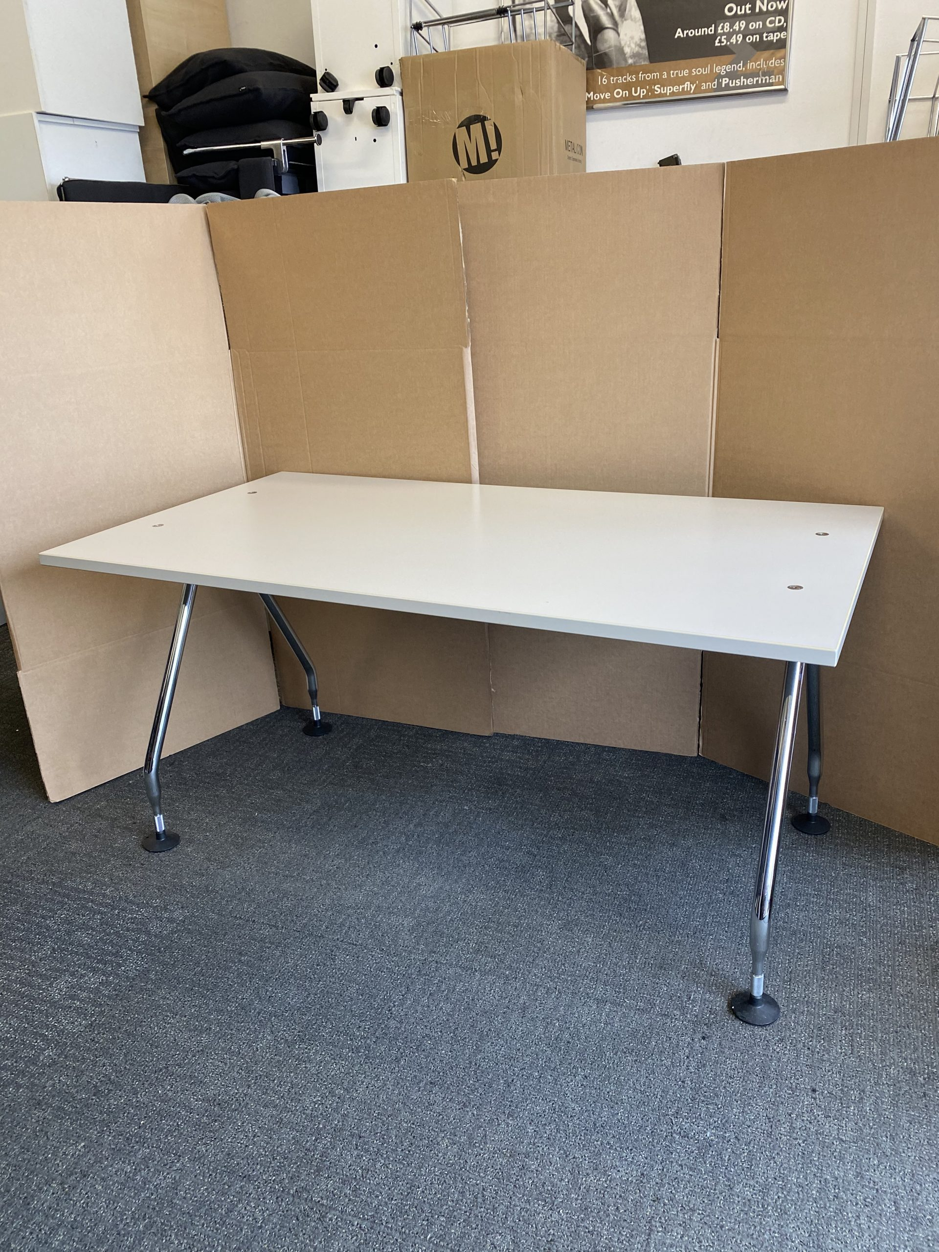 Superb White Bank Office Desk Work Station 1600mm